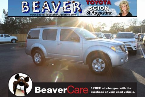 Used Nissan Pathfinder LE