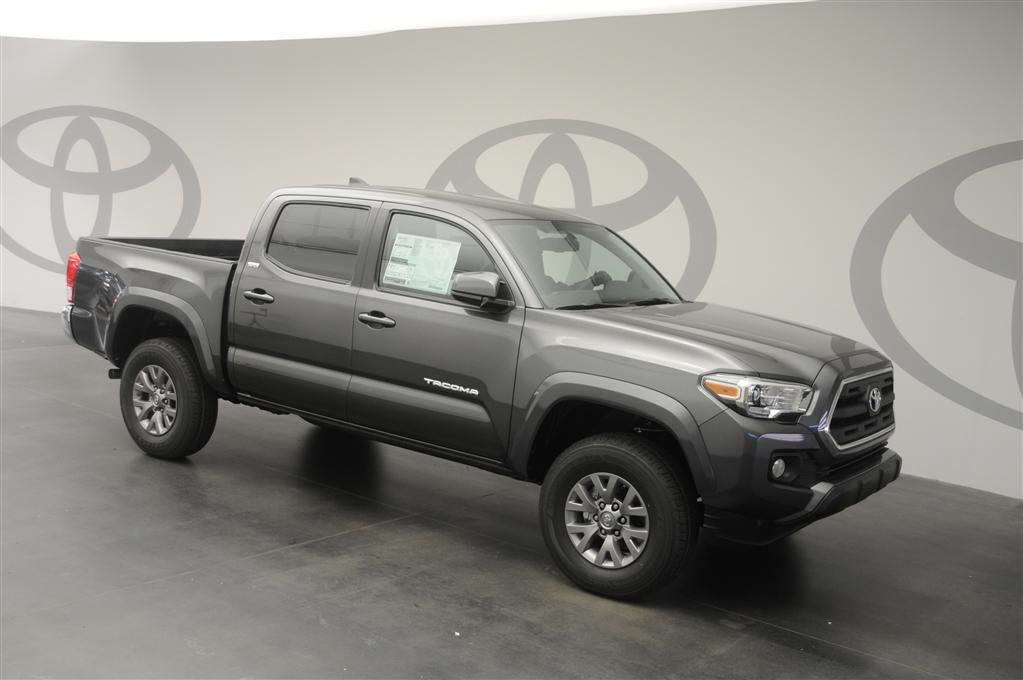 new 2017 toyota tacoma sr5 4d double cab in st augustine. Black Bedroom Furniture Sets. Home Design Ideas