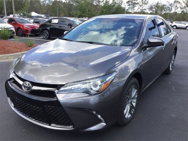 new 2017 toyota camry se 4d sedan in st augustine. Black Bedroom Furniture Sets. Home Design Ideas