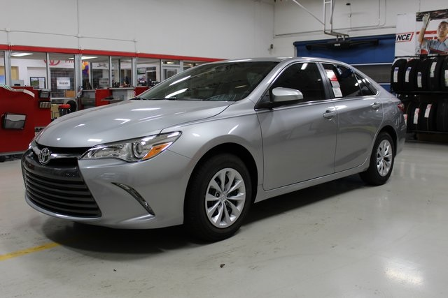 new 2017 toyota camry le 4d sedan in st augustine u686537 beaver toyota st augustine. Black Bedroom Furniture Sets. Home Design Ideas