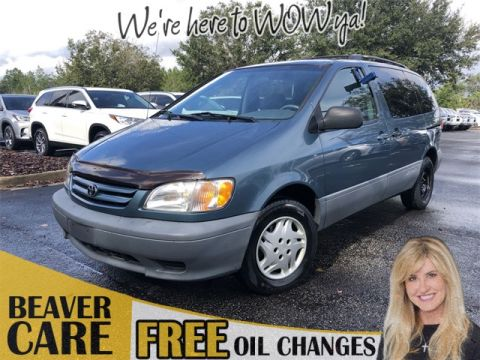 Pre-Owned 2001 Toyota Sienna LE
